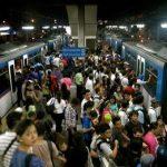 都心では電車の時刻表はいらはい? 何気ない電車内の会話に共感