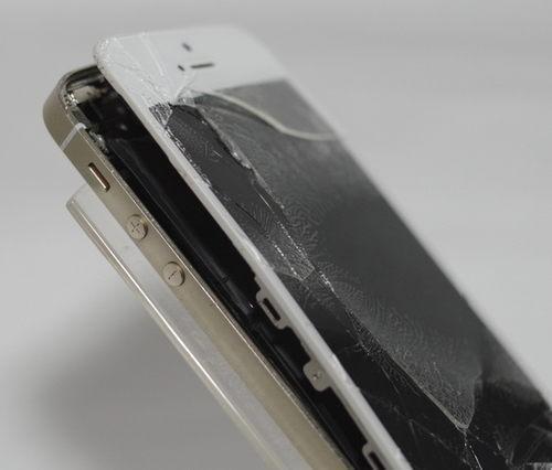 iPhone5s 片側のみハマグリ状態に