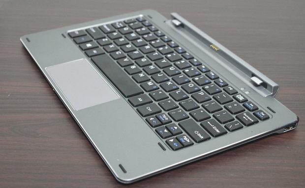 Chuwi Hi10 Pro Keyboard 斜めより