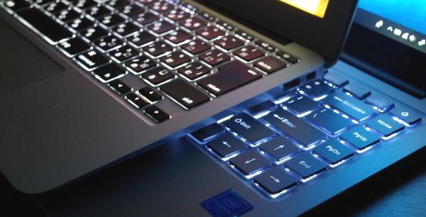 MacBook Air vs Chuwi Lapbook Air キーボードのバックライト