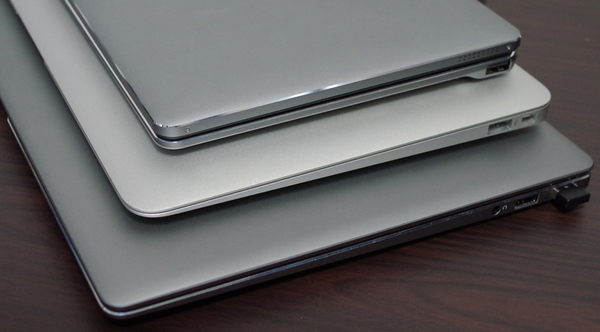 Chuwi Lapbook Air 天板の色