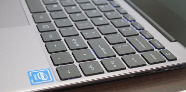 Chuwi LapBook SE キーボードの拡大画像